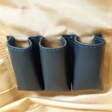 Interior lipstick holder (3 slots)